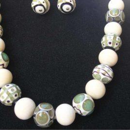 Collar Elegance beige, Perlas de Vidrio de Murano